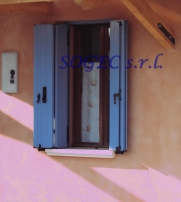 Balconi in alluminio SOGEC SRL, colori personalizzati.