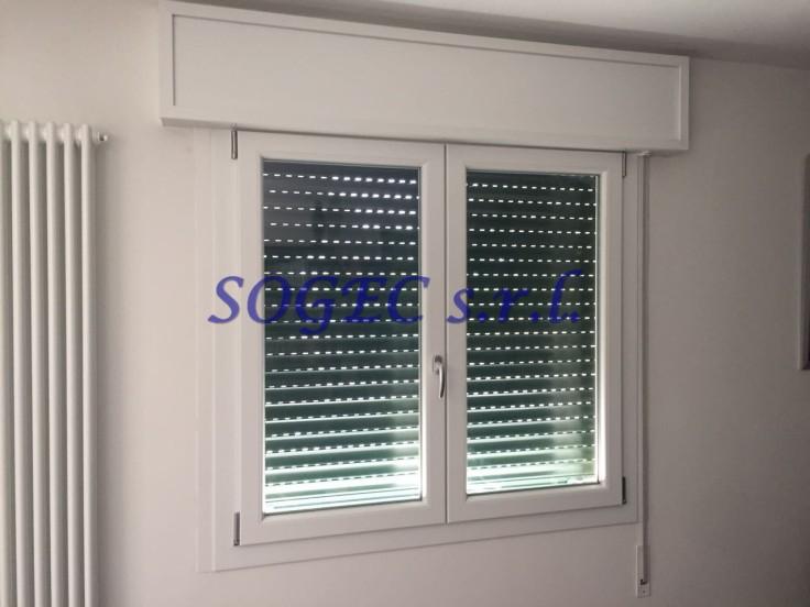 Finestra in PVC, completa di cassonetto ed avvolgibile coibentato SOGEC SRL